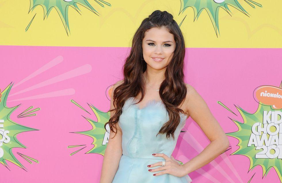 Selena Gomez : Elle passe à la frange (Photos)