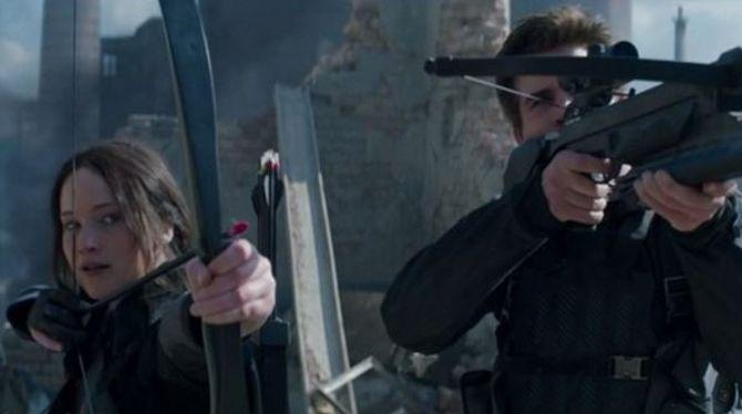 Jennifer Lawrence et Liam Hemsworth prêts au combat