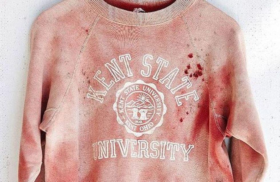 Das ist wirklich geschmacklos! Urban Outfitters schockiert mit Massaker-Sweatshirt