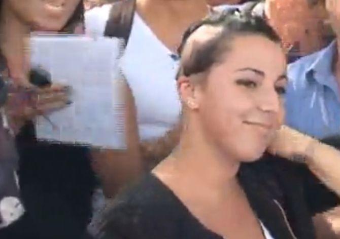 Myriam, exclue de son lycée pour avoir cacher sa pelade