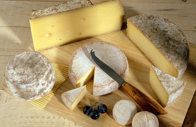 Reblochon, fromage de chèvre et tome de Savoie