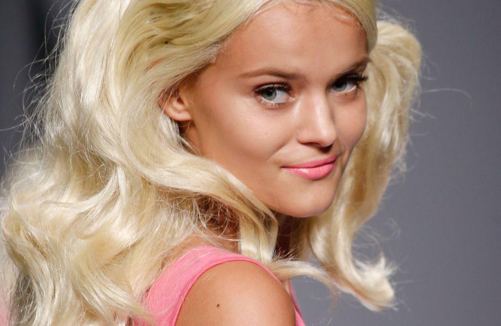 Les mannequins se transforment en Barbie® pour le défilé Moschino (Photos)