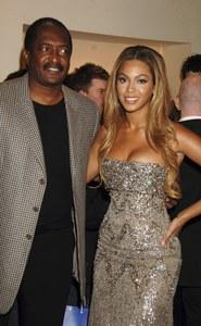 Beyoncé et son père Mathew Knowles, en 2007