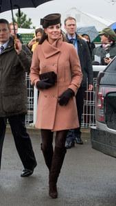 Kate Middleton, enceinte, en 2013