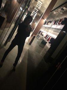 Victoria Beckham sur le pont pour l'ouverture de sa boutique londonienne