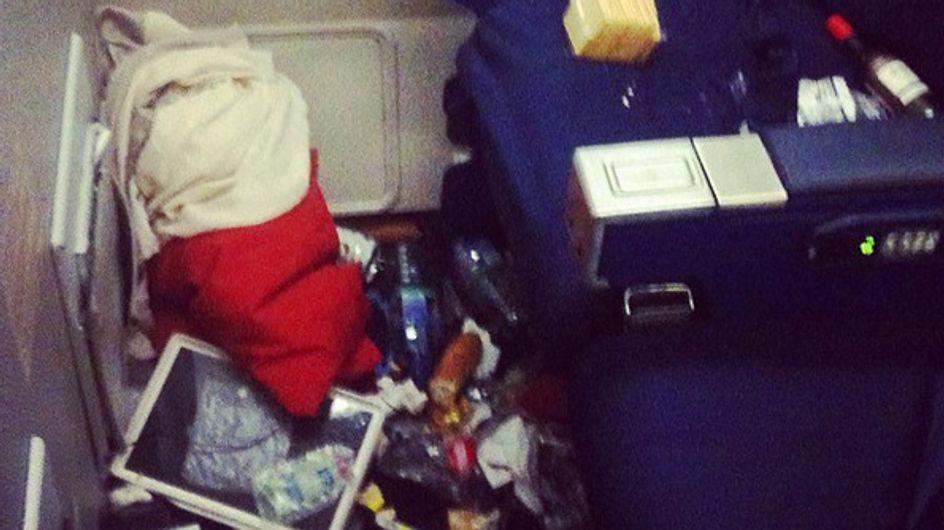 Les hôtesses de l'air se rebellent et dénoncent le manque d'hygiène des passagers (Photos)
