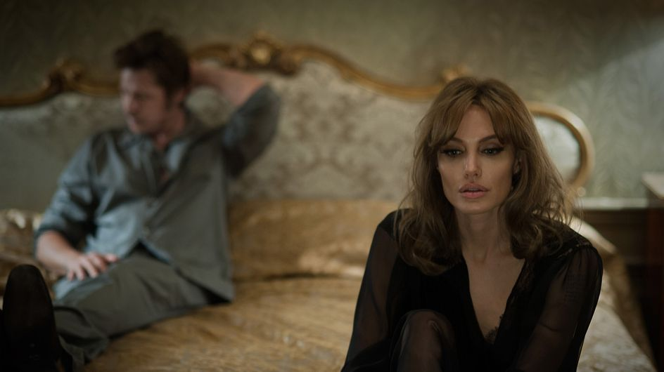 Angelina Jolie : Au lit avec Brad Pitt pour By The Sea (Photos)