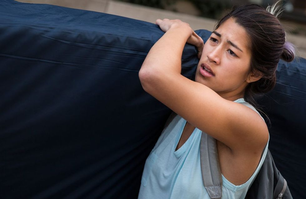 This Female Student is Carrying her Mattress Everywhere Until her Rapist is Expelled