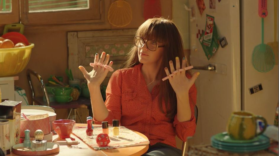 Lou ! : gaffes et maladresses au programme du premier extrait exclusif du film