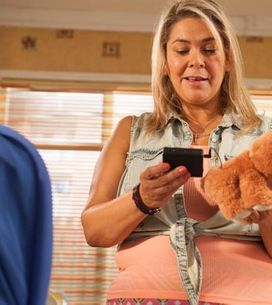 Hollyoaks 06/10 – Myra gets her hands on some incriminating evidence