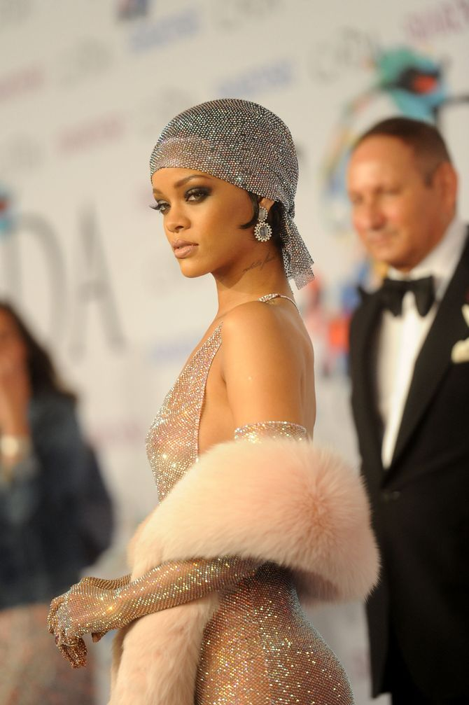 Rihanna aux CFDA Awards 2014.