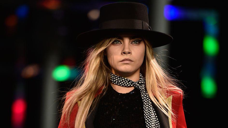 Fashion Week : Cara Delevingne défile pour Saint Laurent