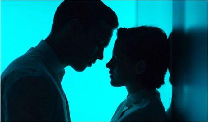 Kristen Stewart et Nicholas Hoult dans Equals