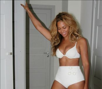 Beyoncé joue les mannequins lingerie (Photos)