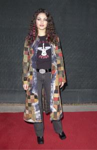Mila Kunis en 2000