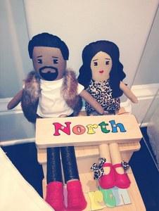 Kim Kardashian et Kanye West en poupées