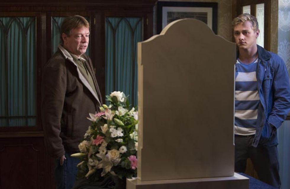 Eastenders 13/10 – Linda is desperately trying to hold everything together