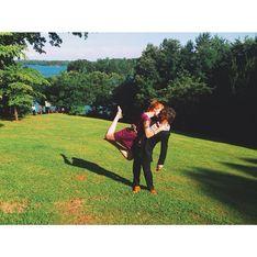 El romántico beso que recorre el mundo y causa sensación en las redes sociales