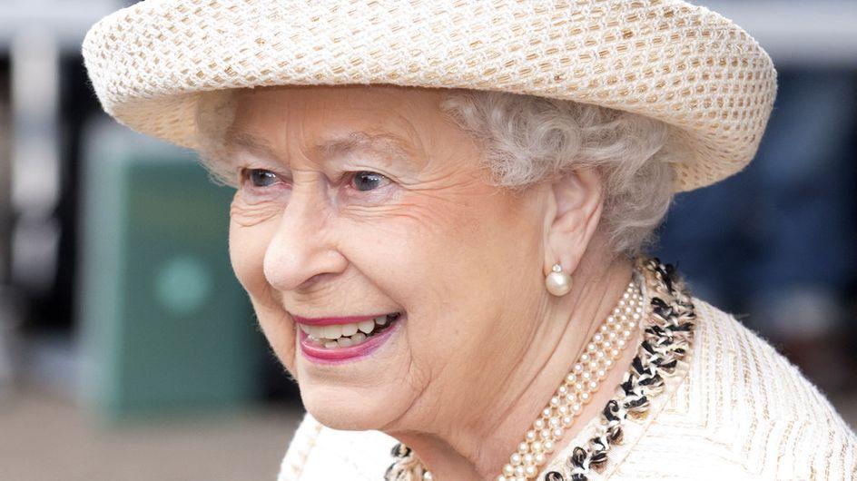 """C'est """"Bunga Bunga"""" chez Elizabeth II !"""