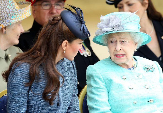 Elisabeth II et Kate Middleton.