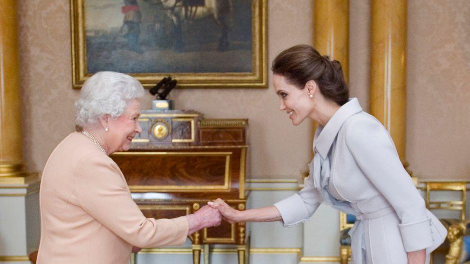 Angelina Jolie condecorada por la reina Isabel II por su lucha contra la violencia sexual