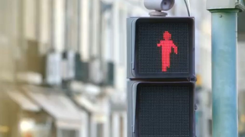El semáforo más divertido del mundo: ¡a bailar!