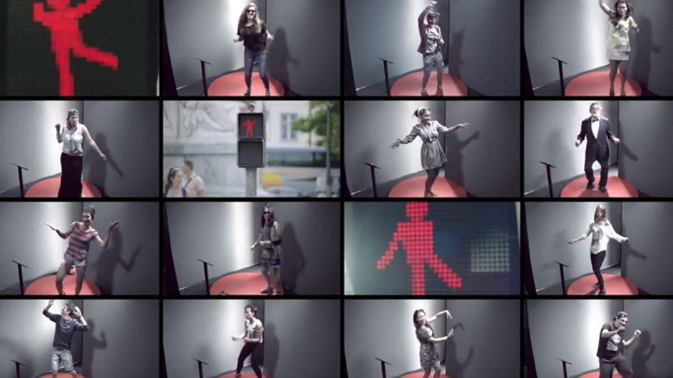 Video/ Ti annoia aspettare al semaforo? Allora mettiti a ballare!