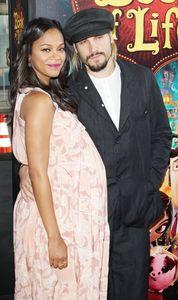 Zoe Saldana enceinte et son mari Marco Perego