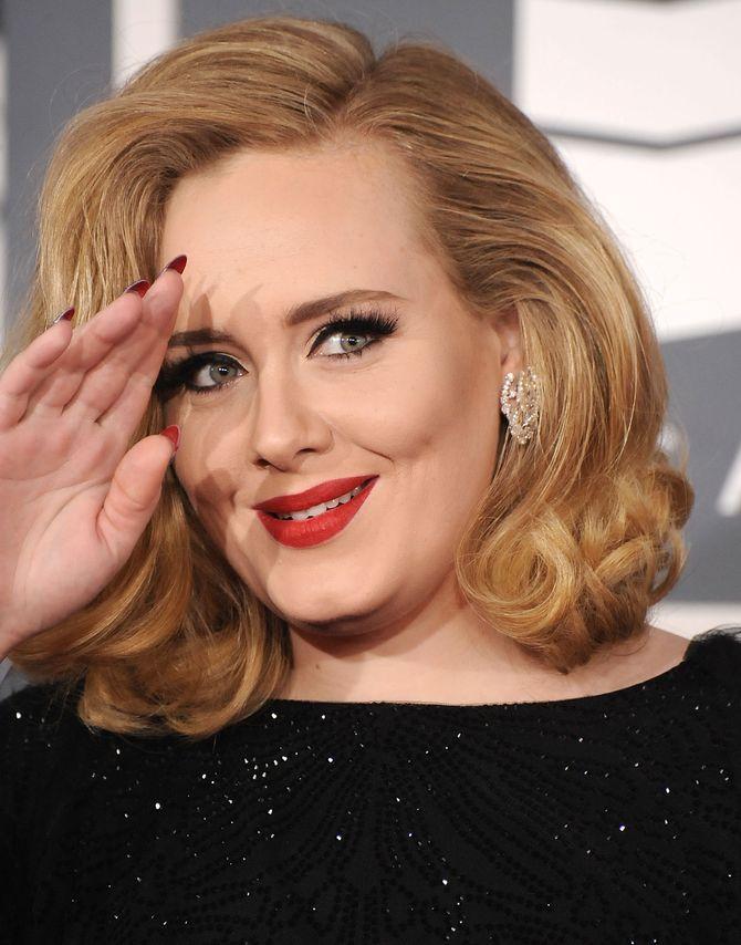 Adele e sua Loubi nail art