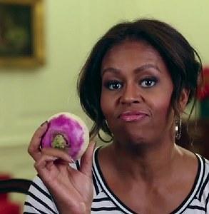 Michelle Obama danse avec un navet