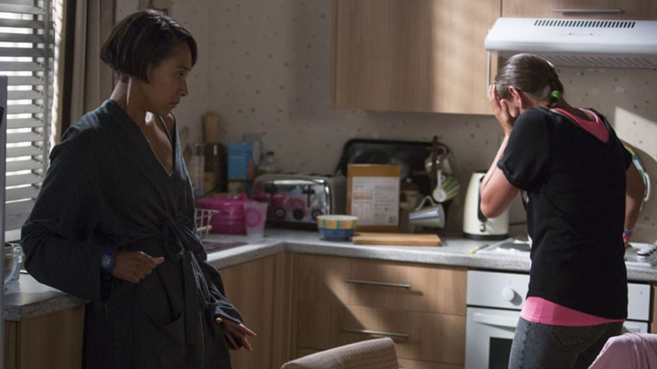 Eastenders 28/10 – Charlie panics when Nick is sat in Dot's kitchen