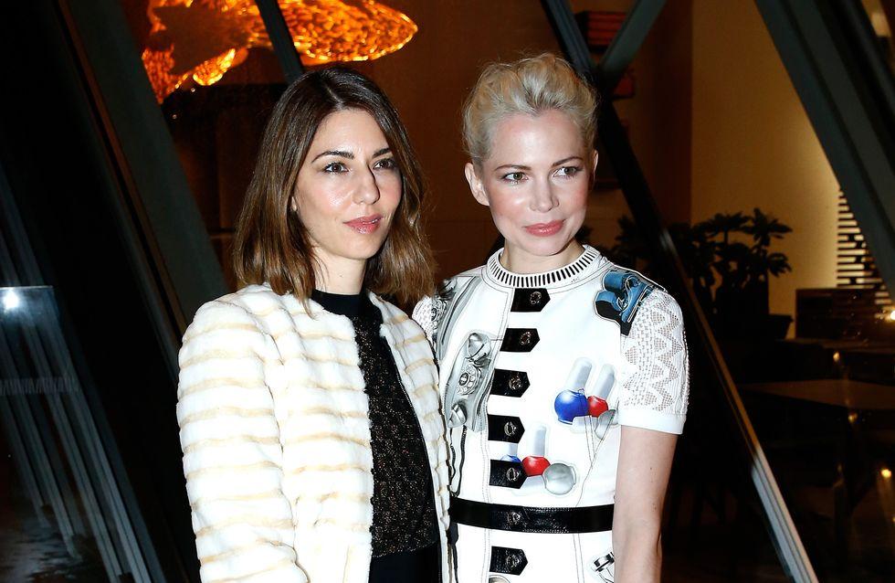 Défilé de modeuses pour l'inauguration de la fondation Louis Vuitton
