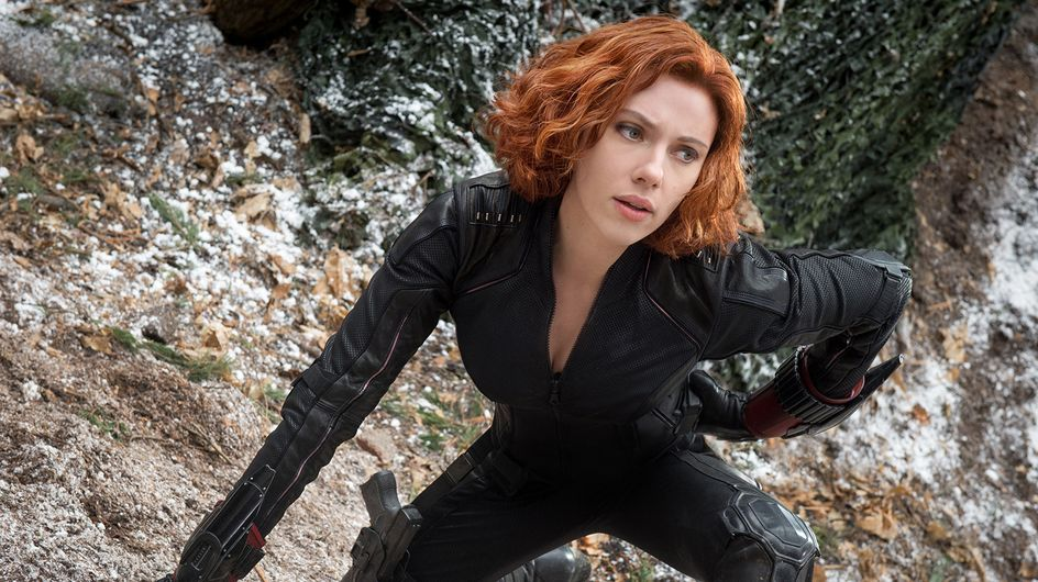 Scarlett Johansson reprend du service dans la combi sexy de Black Widow pour Avengers 2 (Photos et vidéo)