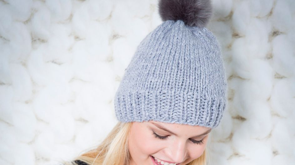 On a testé: comment tricoter son bonnet à pompon?