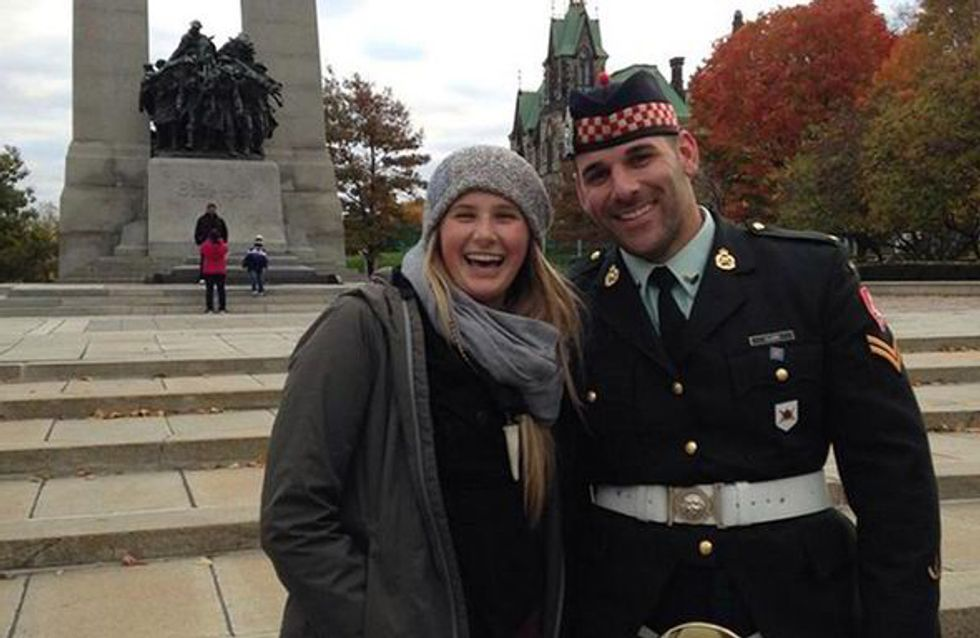 Ottawa : Une touriste publie son selfie avec le soldat tué et émeut les réseaux sociaux
