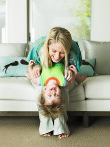 Les mères célibataires auraient plus de difficultés à retrouver l'amour