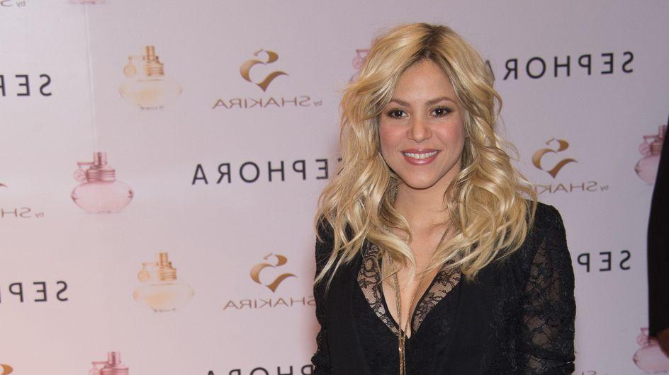 Shakira affiche son baby bump et un maxi décolleté (Photo)