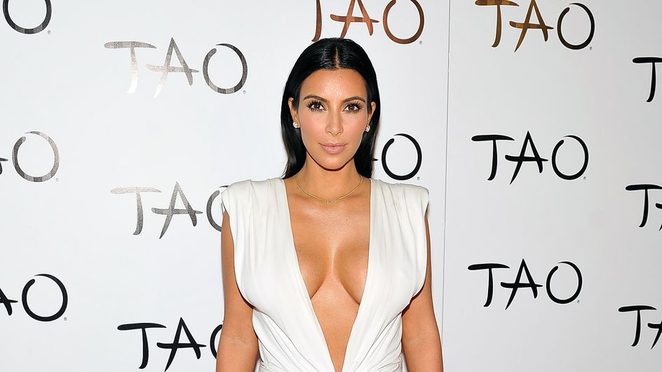 Kim Kardashian ose le maxi décolleté pour ses 34 ans (Photo)