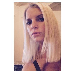 Jessica Simpson avec sa nouvelle coupe de cheveux