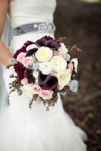 Autumn Wedding Flowers: Bridal Bouquet Inspiration