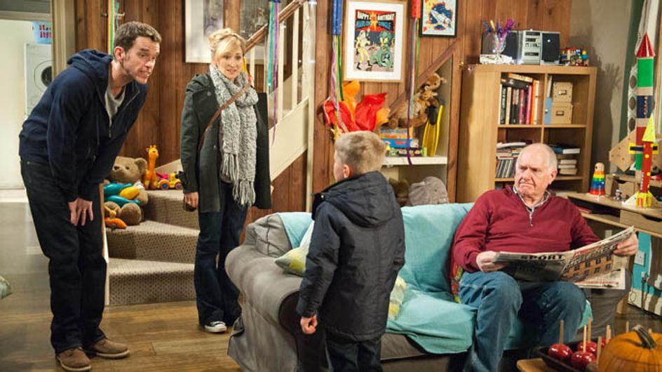 Emmerdale 05/11 – Doug worries Marlon's neglecting Arthur over April