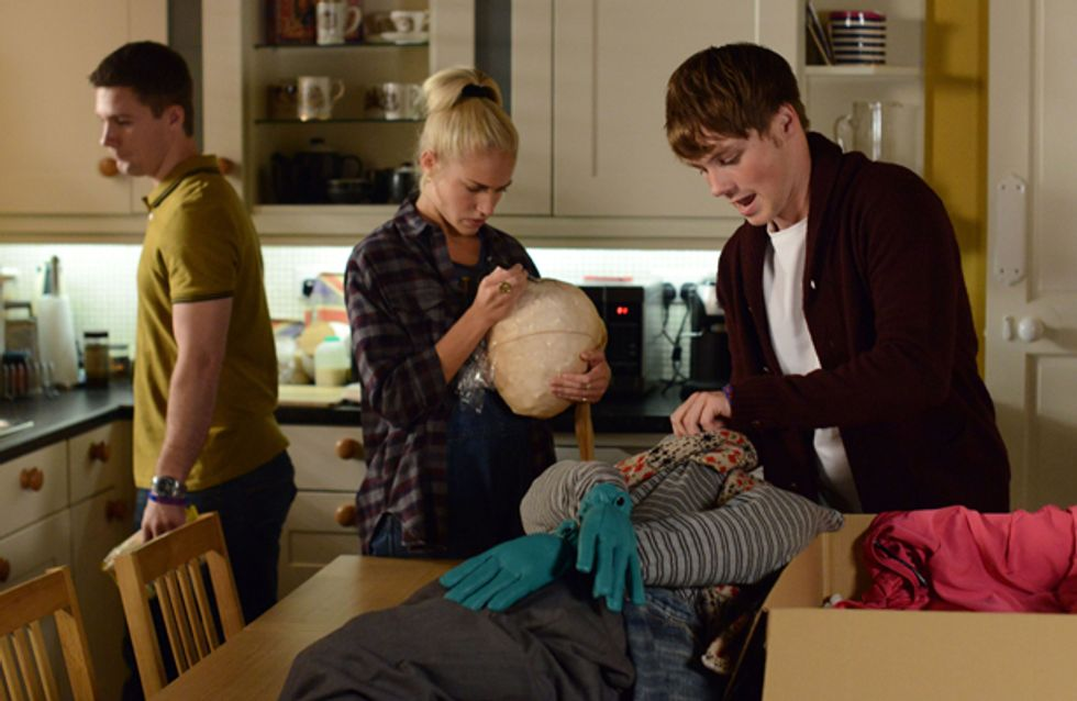 Eastenders 06/11 – Mick encourages Linda to do a pregnancy test