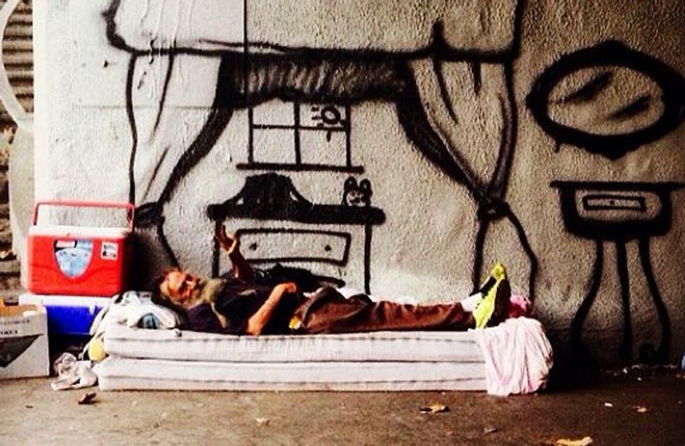 Grâce au street art, il dessine les rêves des sans-abris