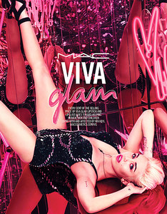 Miley Cyrus pour la nouvelle campagne Viva Glam