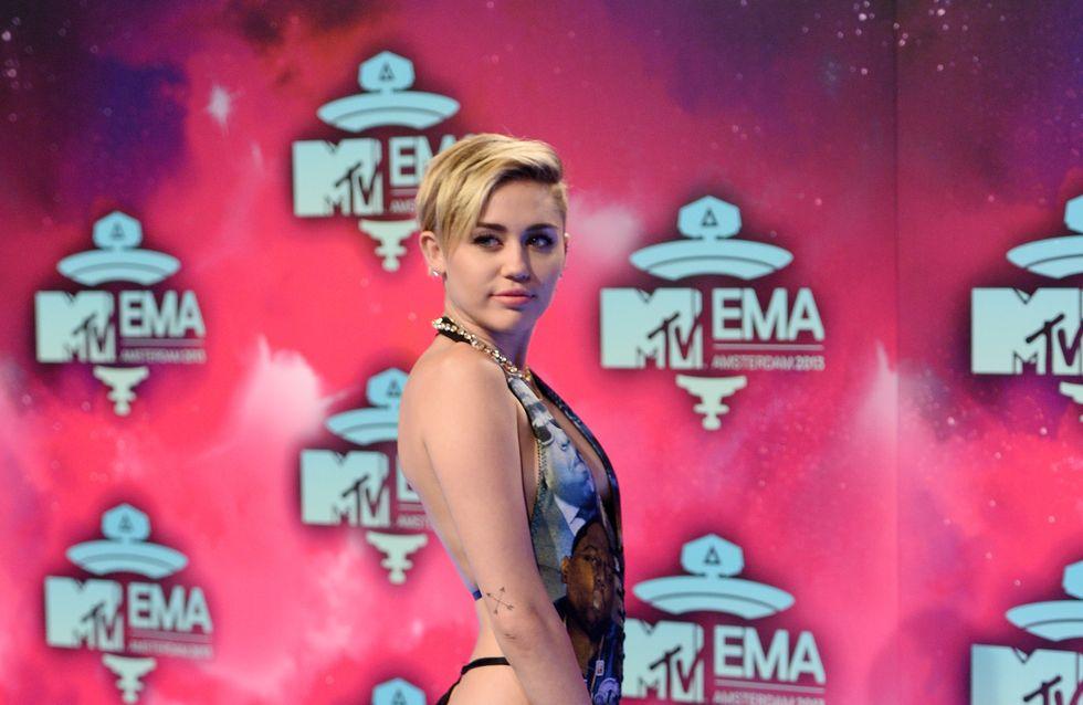 Miley Cyrus, showgirl sexy pour la nouvelle campagne Viva Glam (Photos)