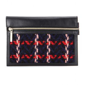 La pochette en cuir Victoria Beckham, 475 euros