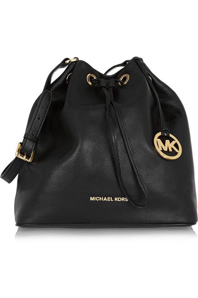 Le sac seau en cuir Jules large Michael Kors, 275 euros
