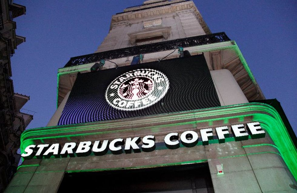 Starbucks lance sa première publicité pro-LGBT (Vidéo)