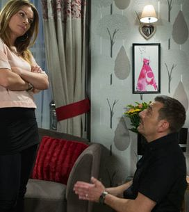 Coronation Street 10/11 – Peter's out and back on the street