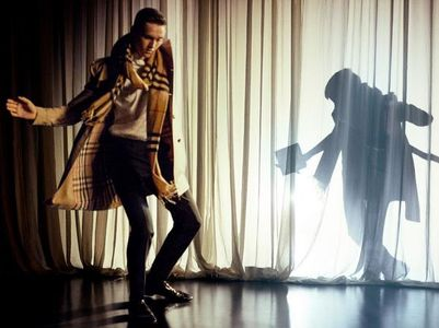 Romeo Beckham danseur pour Burberry